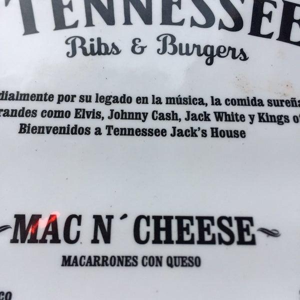 Foto diambil di Tennessee Ribs & Burgers oleh Margarita L. pada 5/25/2018