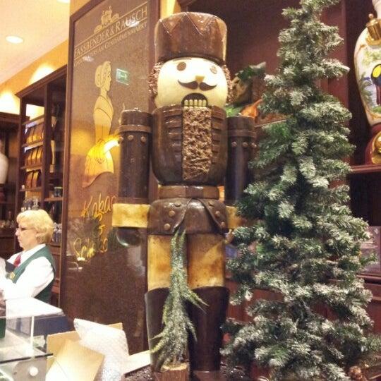 Foto tomada en Rausch Schokoladenhaus por Elena M. el 12/16/2012