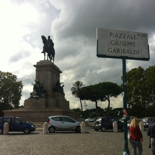 Piazzale Giuseppe Garibaldi Trastevere 17 Tips From 916