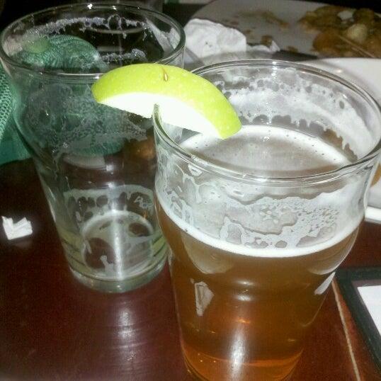 Снимок сделан в Kinetic Brewing Company пользователем James R. 9/15/2012