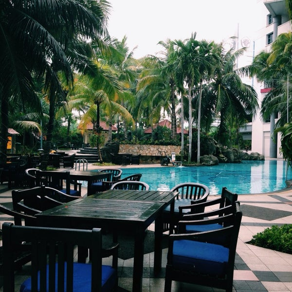 Tropik Restaurant Hotel Bar In Jakarta Barat