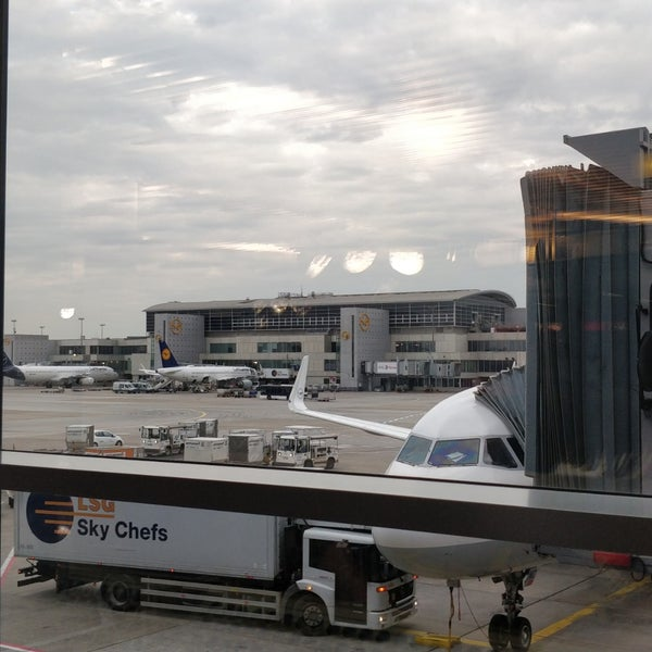 Öffnungszeiten Flughafen Frankfurt
