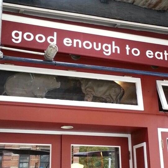 10/7/2012 tarihinde Chris D.ziyaretçi tarafından Good Enough to Eat'de çekilen fotoğraf