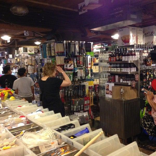 Das Foto wurde bei Bowery Kitchen Supplies von Martin T. am 6/9/2013 aufgenommen