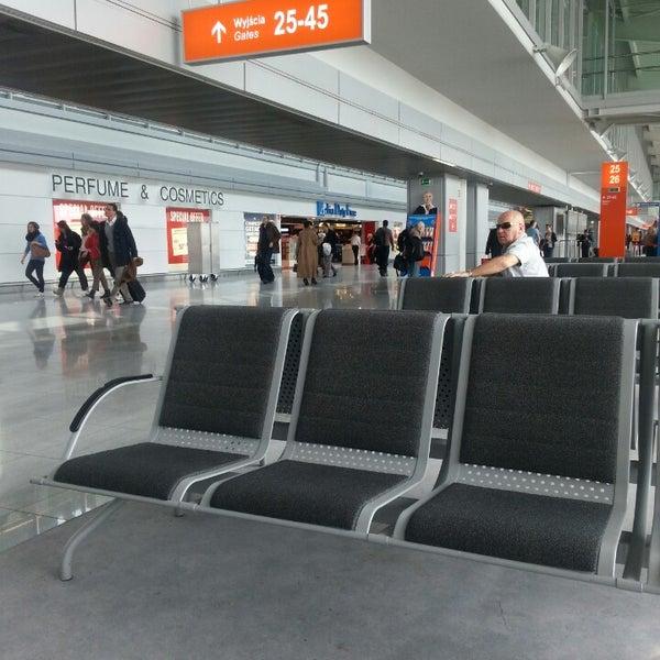3/20/2013에 Anna P.님이 바르샤바 쇼팽 공항 (WAW)에서 찍은 사진