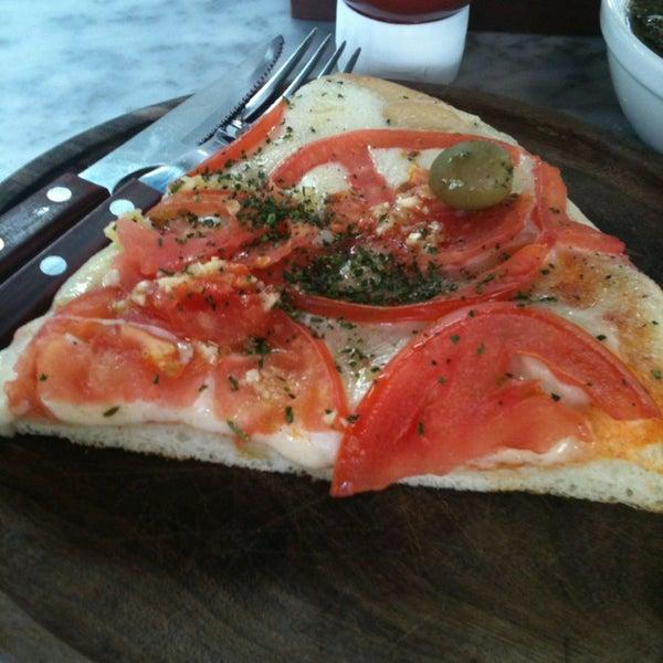 Foto tomada en Central de Pizzas por Marco G. el 2/16/2013