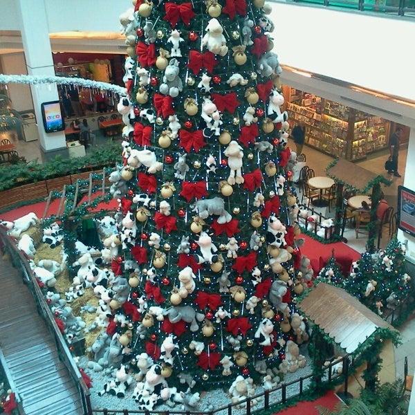 Das Foto wurde bei Portones Shopping von Lorena P. am 11/7/2013 aufgenommen