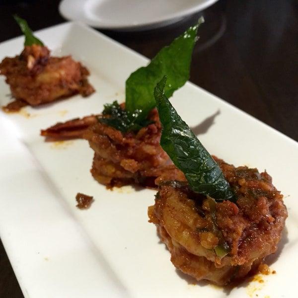 Tasty & spicy Indo-Chinese: Shrimp Piri Piri, Ckn Tikka Masala, Paneer Szechwan, Ckn Malai Kabob & Salmon Tikka. Pricey & no lunch specials on wkend. Ask to turn on AC to help U sweat thru the spice!