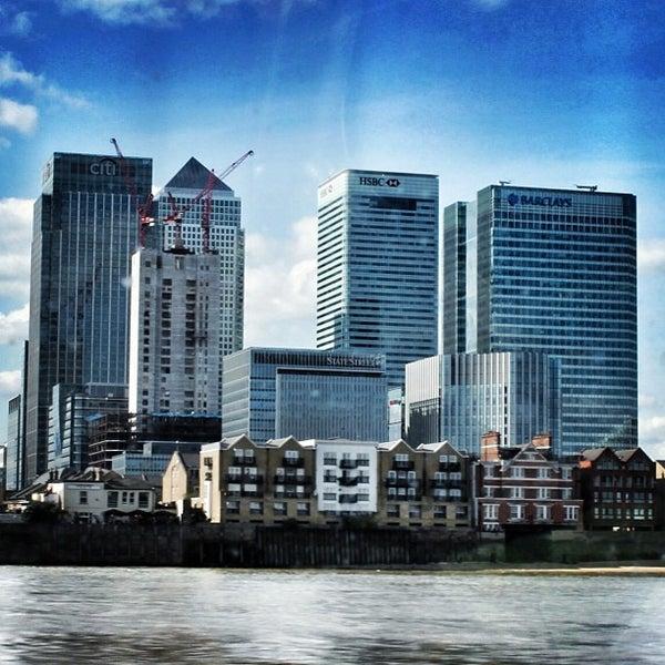 Foto scattata a Canary Wharf da 15Richmondpark il 12/20/2012