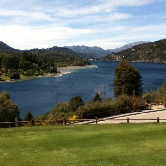 Photo prise au Llao Llao Hotel & Resort par Ana Luiza S. le11/4/2012