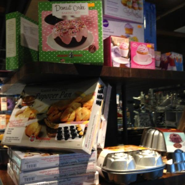Das Foto wurde bei Bowery Kitchen Supplies von No Leftovers J. am 4/13/2013 aufgenommen