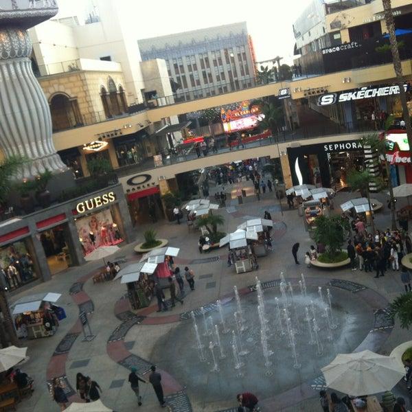 รูปภาพถ่ายที่ Hollywood & Highland Center โดย Guzel G. เมื่อ 2/4/2013
