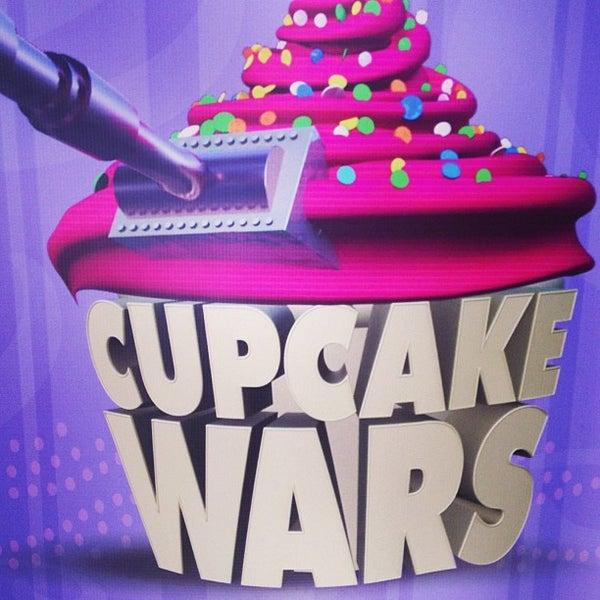 Foto tirada no(a) Cupprimo Cupcakery & Coffee Spot por amy b. em 5/31/2013