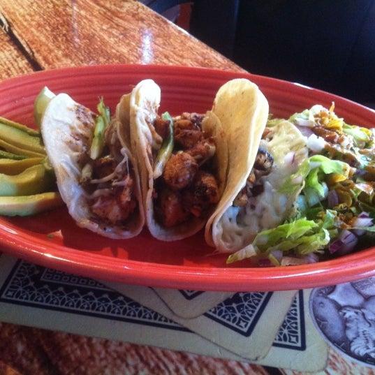 Foto scattata a Twisted Taco da Paul G. il 11/20/2012