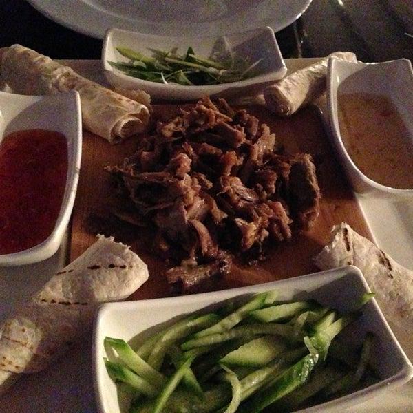 1/26/2013 tarihinde Çisem N.ziyaretçi tarafından Eat'n Joy Mangal'de çekilen fotoğraf