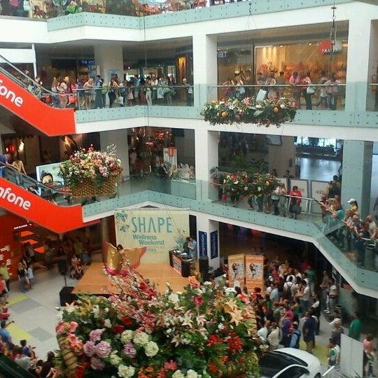 รูปภาพถ่ายที่ Athens Metro Mall โดย Μaria เมื่อ 5/18/2013