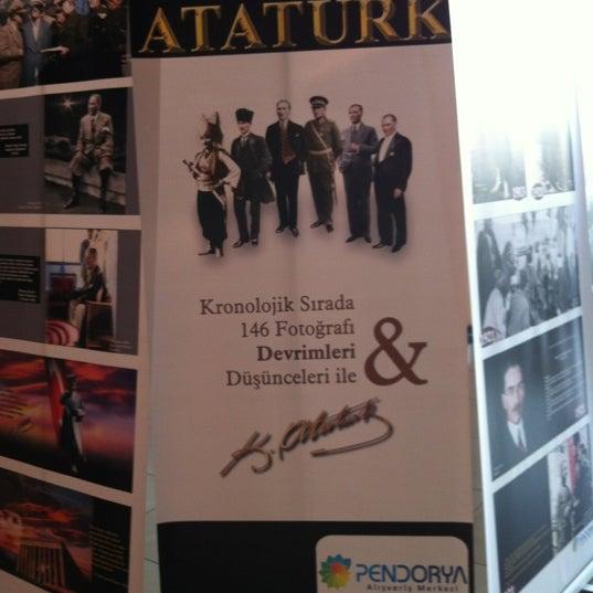 รูปภาพถ่ายที่ Pendorya โดย İrem A. เมื่อ 11/3/2012