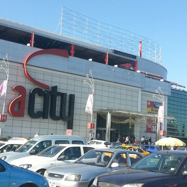 Das Foto wurde bei ACity Premium Outlet von Gözde Ç. am 8/21/2013 aufgenommen