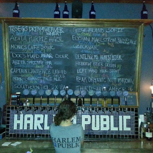 รูปภาพถ่ายที่ Harlem Public โดย Jodi R. เมื่อ 4/1/2013