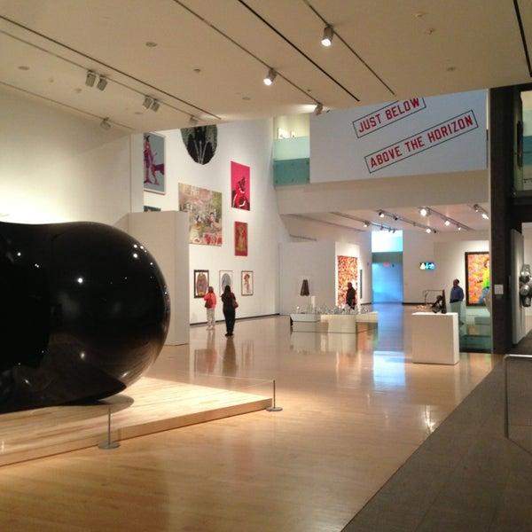 Das Foto wurde bei Phoenix Art Museum von Atif A. am 1/19/2013 aufgenommen