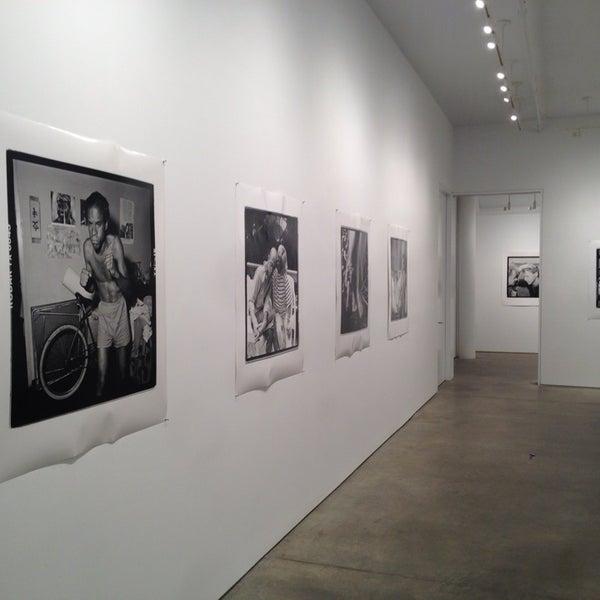 Foto tomada en Bruce Silverstein Gallery por Atif A. el 6/25/2013
