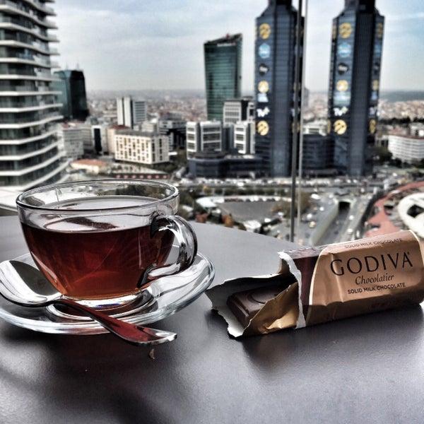 Снимок сделан в Raffles Istanbul Zorlu Center пользователем ⚜️⚜️ Z. 11/10/2016
