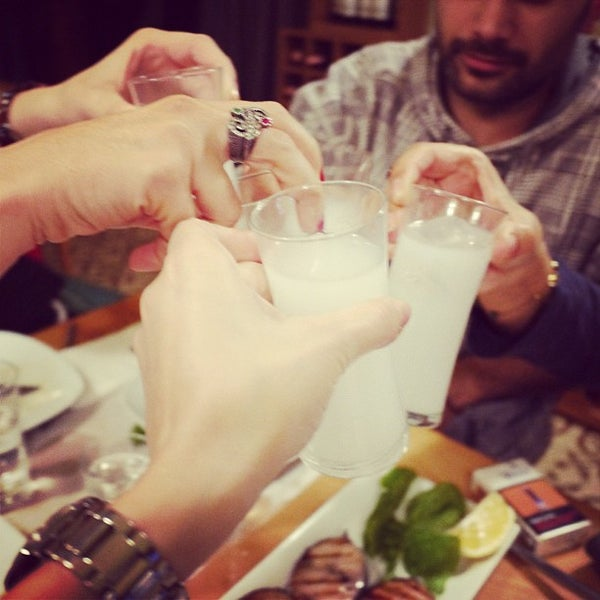 Foto tomada en Sıdıka Meze Restoranı por bora o. el 11/20/2012