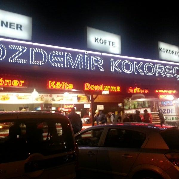 5/10/2013에 süha t.님이 Özdemir Kokoreç에서 찍은 사진