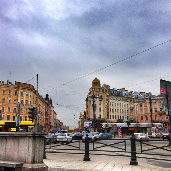 Снимок сделан в Сенная площадь пользователем ✨Anna✨Аlla✨ K. 4/14/2013