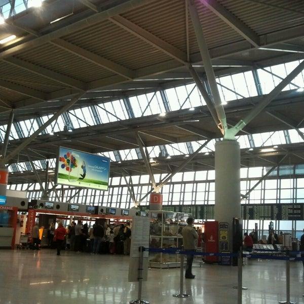5/9/2013에 Laisvydas Ž.님이 바르샤바 쇼팽 공항 (WAW)에서 찍은 사진