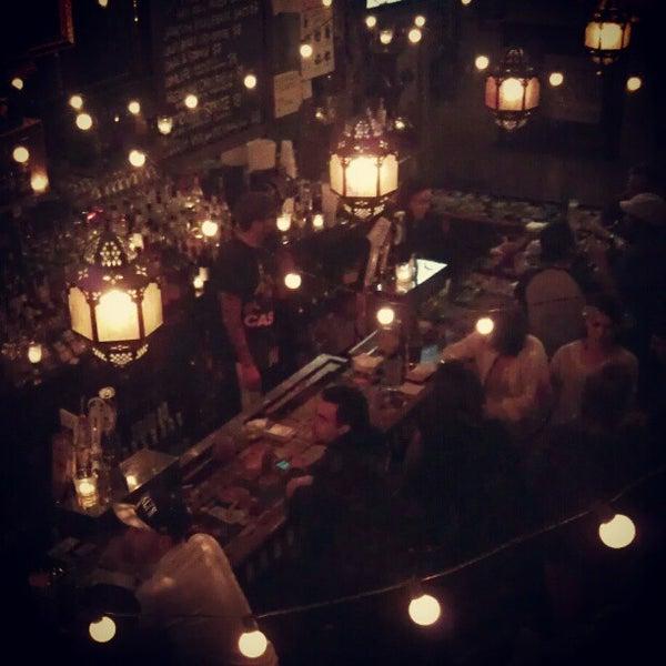 Photo prise au Lulu's par Angie S. le11/4/2012