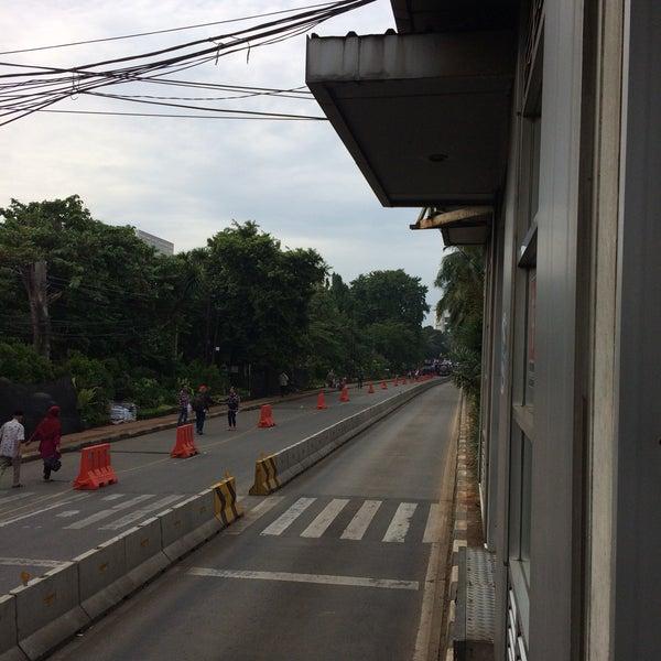 Photos à Halte Transjakarta Departemen Pertanian Ligne De Bus à
