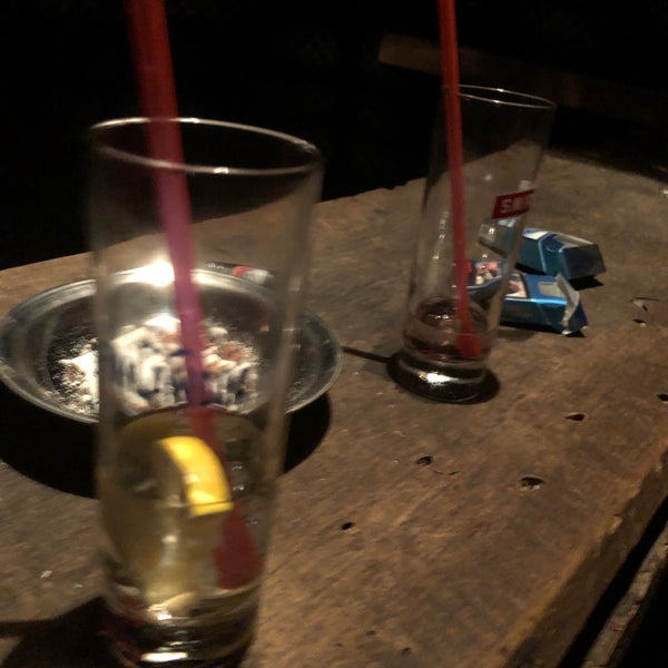 Foto scattata a Bull Bar da Ayberk Ö. il 8/20/2019