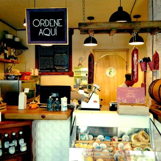 รูปภาพถ่ายที่ Queseria De Mí โดย Fernandita เมื่อ 11/4/2012