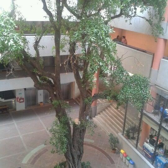 Снимок сделан в Universidad Autónoma de Asunción пользователем rosi f. 11/17/2012
