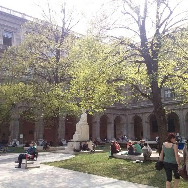 Foto tomada en Universität Wien por Sandra Z. el 4/23/2013