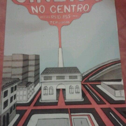 รูปภาพถ่ายที่ CentoeQuatro โดย Bia M. เมื่อ 9/23/2012