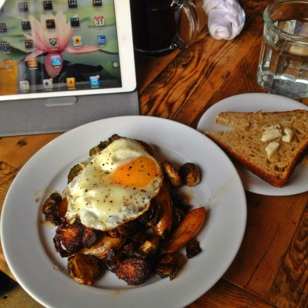 Brunch at rhe kickshaw- Egg w roasted vegetables. Yumm