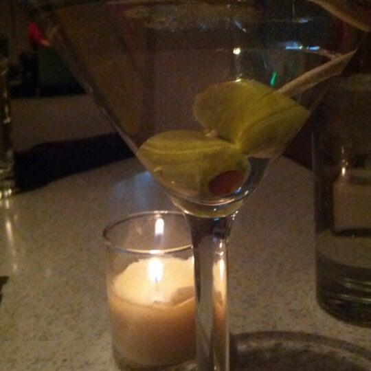 Foto diambil di The Corner Office Restaurant & Martini Bar oleh Mark W. pada 10/26/2012