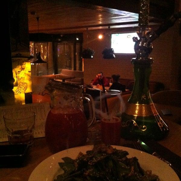 รูปภาพถ่ายที่ Moska Bar โดย Elena S. เมื่อ 1/7/2013