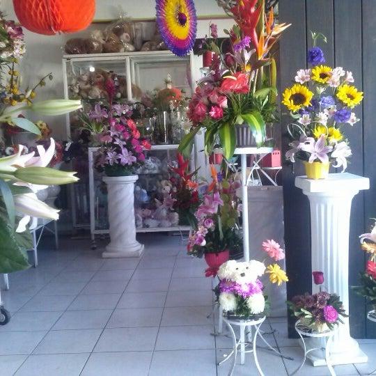 10/25/2012にChely C.がFlorería Flores de Oaxacaで撮った写真