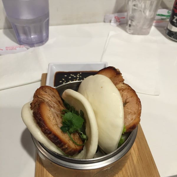 Wonderfully succulent roast pork in soft steamed buns with a refreshing cucumber slice. A great snack to have before ramen!