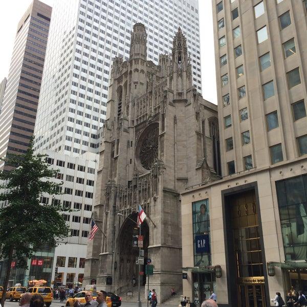Foto diambil di Fifth Avenue Presbyterian Church oleh Yuri ~. pada 6/12/2016