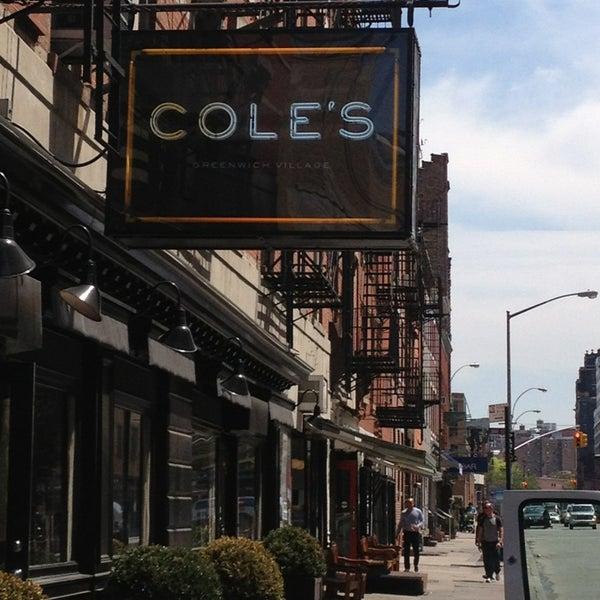 Photo prise au Cole's Greenwich Village par Andy C. le5/16/2013