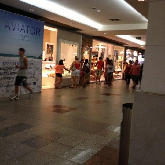 10/6/2012 tarihinde Tamires L.ziyaretçi tarafından Shopping Tijuca'de çekilen fotoğraf