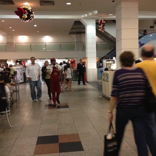 11/19/2012 tarihinde Tamires L.ziyaretçi tarafından Shopping Tijuca'de çekilen fotoğraf