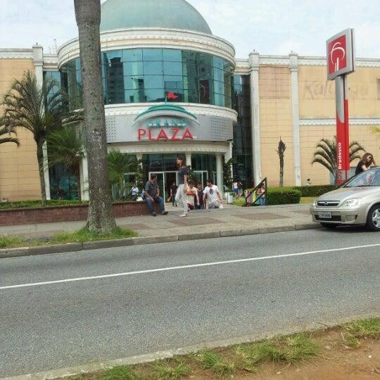 Das Foto wurde bei Grand Plaza Shopping von Ricardo S. am 11/30/2012 aufgenommen