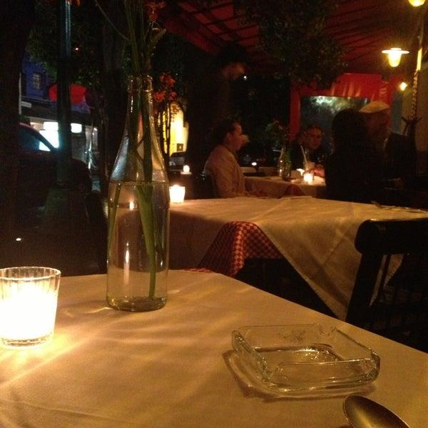 Foto tirada no(a) Café La Gloria por Arcelia L. em 7/11/2013