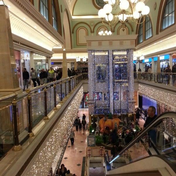 Foto tomada en Centro Comercial Gran Vía 2 por Cristina C. el 12/28/2013