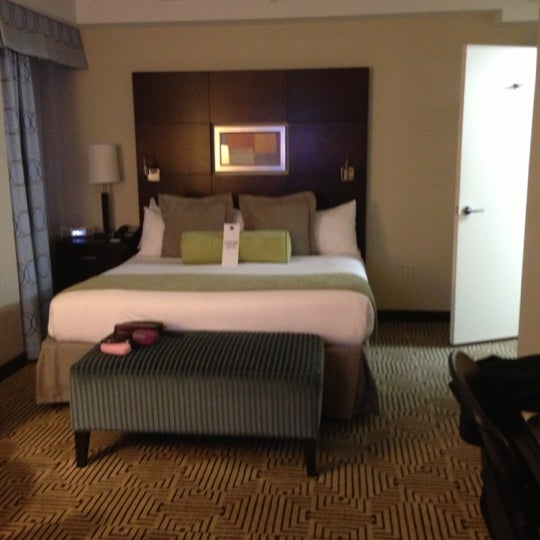 Снимок сделан в Hotel MELA пользователем Kelly M. 10/15/2012